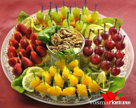 Фото красивого праздничного стола в домашних условиях