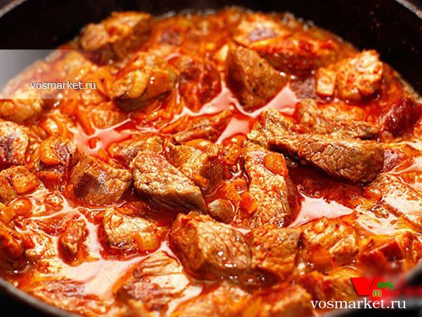 Гуляш из говядины с подливкой в духовке рецепт с пошагово в