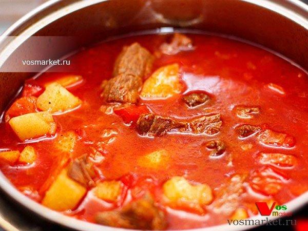 Гуляш по-венгерски из свинины с подливкой рецепт с фото пошагово