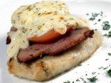 Фото готового блюда: Куриное филе с беконом и сыром