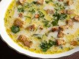 Фото готового блюда: Сырный суп с гренками