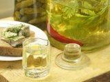 Фото готового блюда: Водка с чесноком и перцем