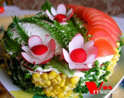 Красиво оформленный вкусный салат