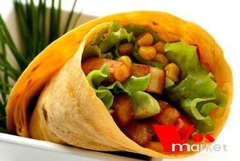 Мексиканское блюдо в кукурузной лепешке