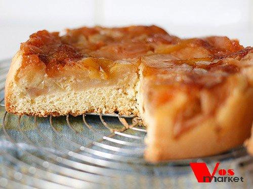 Фото готового блюда: Шарлотка  с яблоками