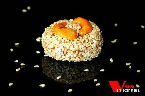 Конфет с кунжутом из сухофруктов