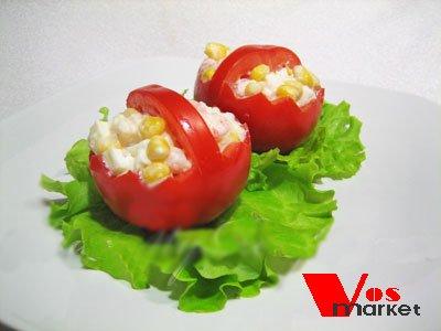 Салат с креветками в помидоровых корзинах