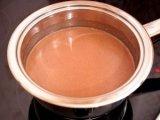 Густой смесь из молока с шоколадом