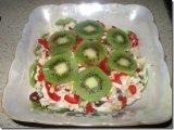 Фото готового блюда: Салат с курицей и киви