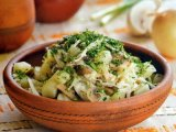 Главное фото рецепта Салат из квашеной капусты