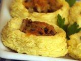 Фото готового блюда: Картофель с грибами и сыром