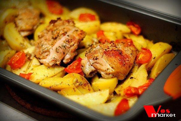 Блюдо куриные бедра с картошкой