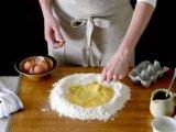 Приготовление теста для макарон