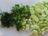 Огурцы и зеленый лук