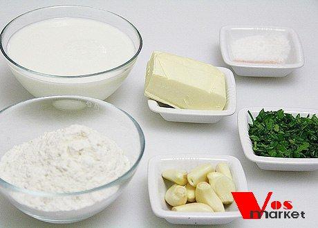 Необходимые продукты для приготовления чесночных булочек
