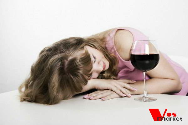 Выпившая женщина