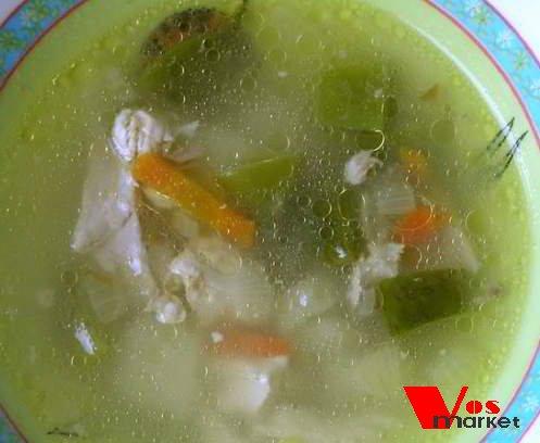 Готовый куриный суп с зеленой фасолью