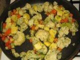 Процесс жарки овощей
