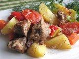 Фото готового блюда: Мясо с овощами в духовке