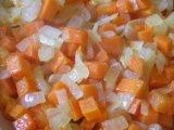 Обжаренный лук с морковью