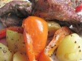Фото готового блюда: Курица с картошкой в духовке