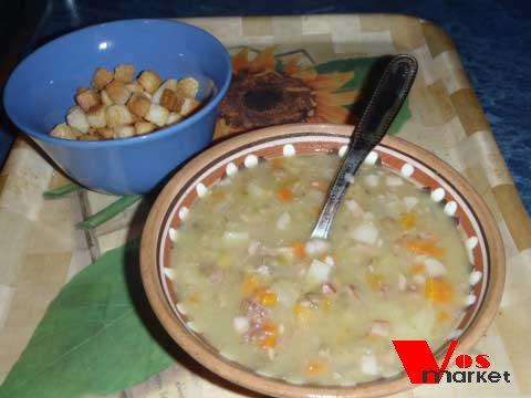 Готовый гороховый суп со свининой