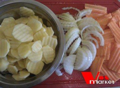Тонко нарезанные овощи
