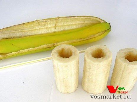 Разрезать банан на части