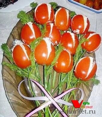 Зеленый лук станет стеблем для каждого тюлпана