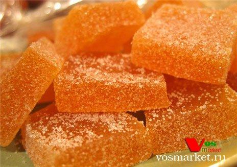 Кусочки мармелада обваленные в сахарном песке