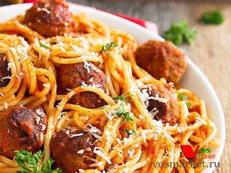 Готовые спагетти с мясными шариками