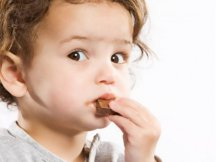Можно ли детям шоколад?