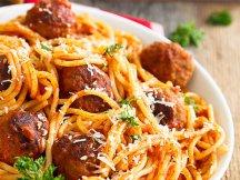 Фото готового блюда: Спагетти с мясными шариками