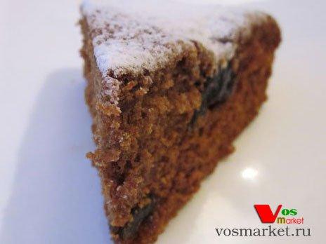 Кусочек пирога с черносливом