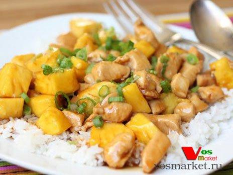 Готовое блюдо курица с ананасами в соусе