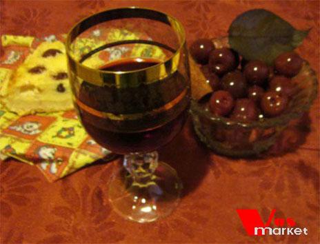 Пьяная вишня за столом