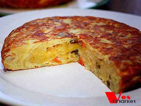 Готовый испанский омлет с картошкой