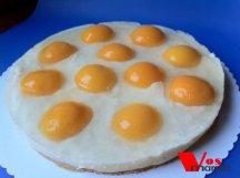 Главное фото рецепта Абрикосовый торт глазунья
