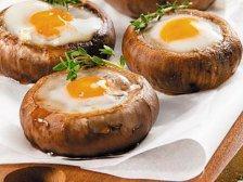 Фото готового блюда: Фаршированные грибы с яйцами