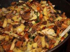 Фото готового блюда: Жареный сельдерей с грибами