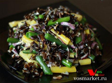 Готовый теплый салат с диким рисом