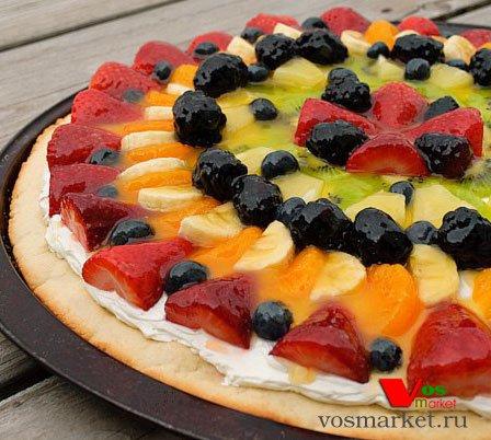 Готовая фруктовая пицца