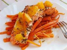 Фото готового блюда: Форель в духовке с апельсином