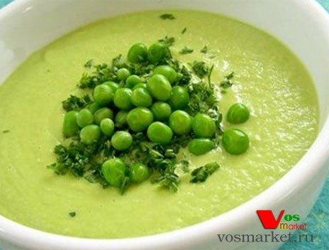 Готовый суп с зеленым консервированным горошком