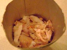 Вареная курятина в пакете из под сока