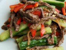 Главное фото рецепта Говядина с огурцами