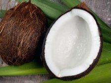 Половинки кокосового ореха для подачи супа
