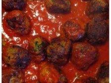 Фрикадельки в сковородке с томатной подливкой