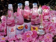 Розовая вода в бутылках