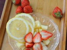 Подготовленные фрукты и ягода